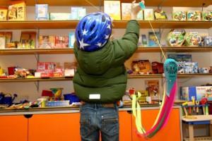 Foto von Kind beim Einkaufen